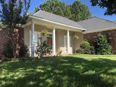 Brandon Single Family Home For Sale: 171 Regatta Dr