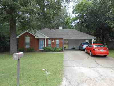 Pearl Single Family Home Contingent/Pending: 1802 Twin Pine Dr