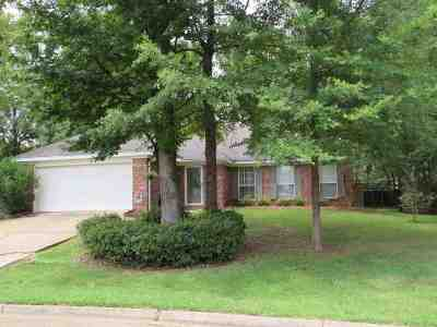 Flowood Single Family Home Contingent/Pending: 312 Longleaf Dr
