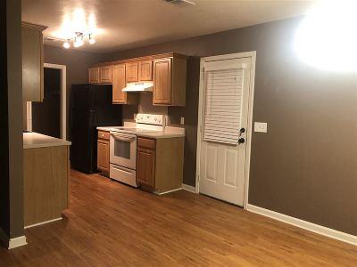 Brandon Single Family Home For Sale: 370 Swan Dr
