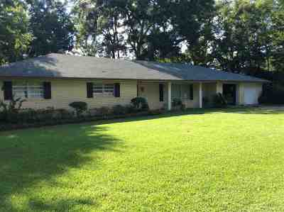 Clinton Single Family Home Contingent/Pending: 305 Tulane Dr