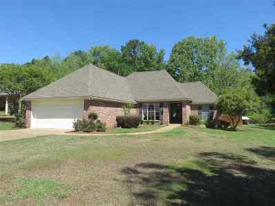 Madison County Single Family Home For Sale: 469 West Place