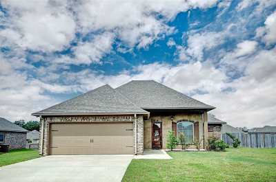 Brandon Single Family Home For Sale: 406 Winterfield Way