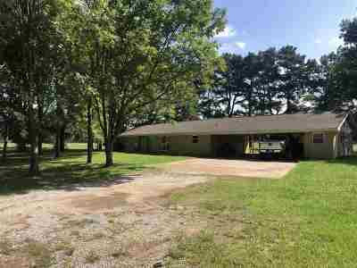 Simpson County Single Family Home Contingent/Pending: 420 James Berry Rd
