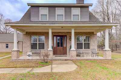 Clinton Single Family Home Contingent/Pending: 113 Chestnut Dr