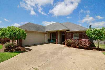 Brandon Single Family Home For Sale: 116 Sara Fox Dr