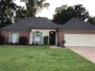Rankin County Single Family Home Contingent/Pending: 257 E Pinebrook Dr