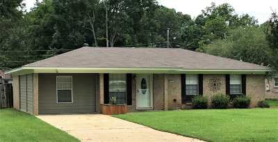 Rankin County Single Family Home For Sale: 415 Boehle St