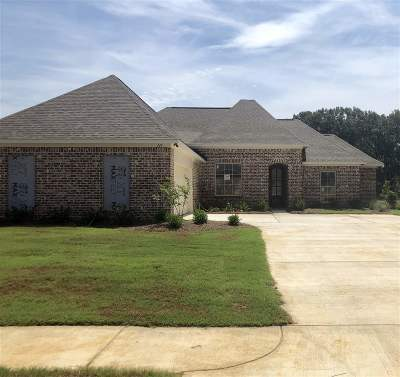 Madison Single Family Home Contingent/Pending: 111 Hampstead Dr