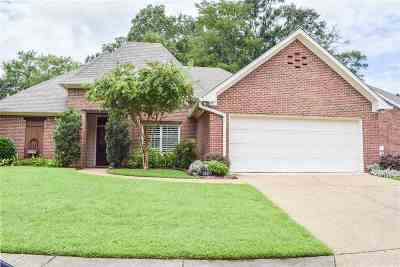 Clinton Single Family Home Contingent/Pending: 103 Cowles Creek
