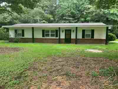 Sumrall Single Family Home Contingent/Pending: 4600 Hwy 589 None