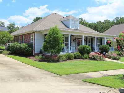 Clinton Single Family Home Contingent/Pending: 102 Heights Dr