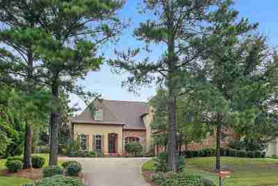 Madison Single Family Home For Sale: 100 Cedar Woods Dr
