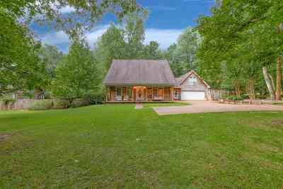 Rankin County Single Family Home Contingent/Pending: 110 Riverbend Dr