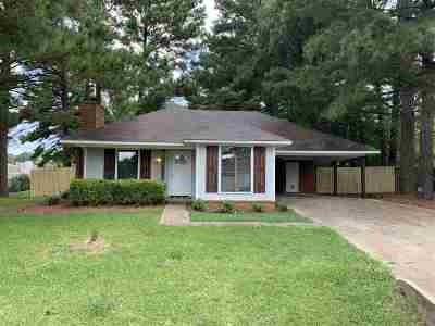 Byram Single Family Home Contingent/Pending: 118 Fairway Cir