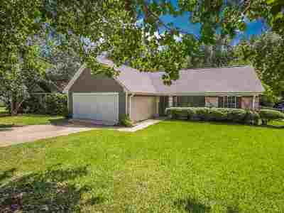 Byram Single Family Home For Sale: 472 Riverbend Dr
