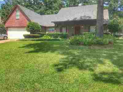 Madison Single Family Home For Sale: 412 Violet Dr
