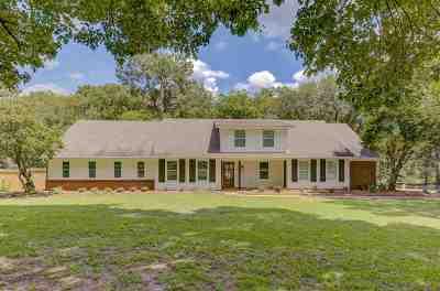 Clinton Single Family Home For Sale: 102 Cotton Acres Dr