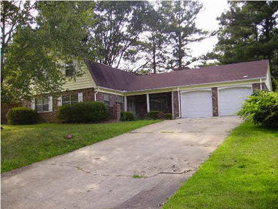 Clinton Rental For Rent: 1217 Foxhill Dr