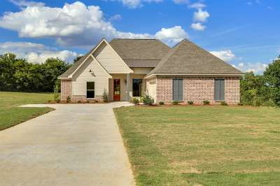 Florence, Richland Single Family Home For Sale: 309 Driftwood Ln