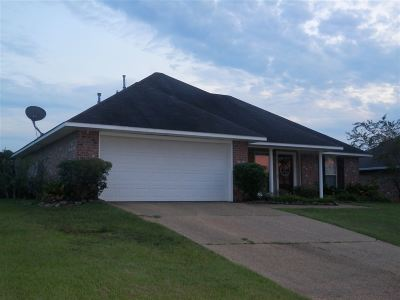 Byram Single Family Home Contingent/Pending: 433 Fairway Ave
