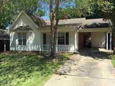 Brandon Single Family Home Contingent/Pending: 322 Audubon Cir