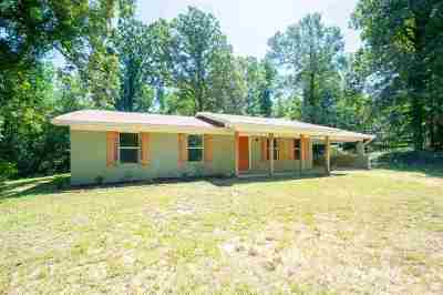 Madison County Single Family Home For Sale: 144 Gus Green Rd