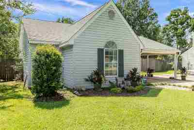 Pearl Single Family Home For Sale: 111 Greenfield Ln