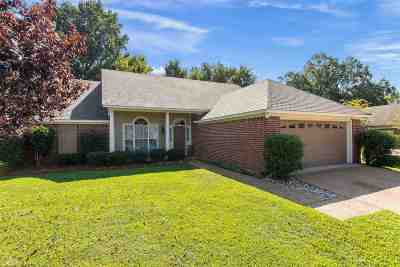 Madison Single Family Home For Sale: 432 Madison Oaks Dr