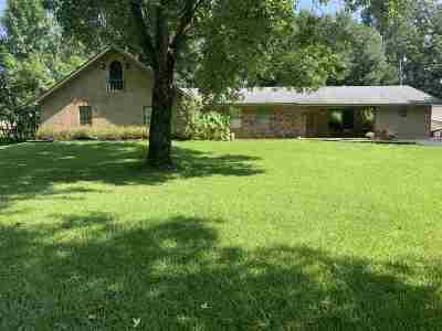Single Family Home For Sale: 125 Castle Chapel Rd
