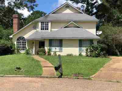 Byram Single Family Home For Sale: 224 Oakleigh Cv
