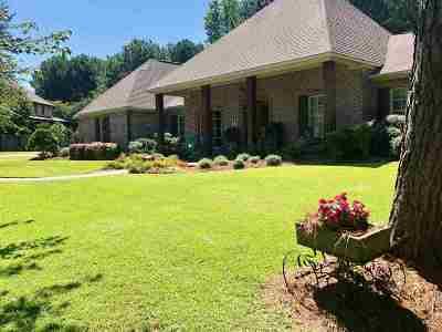 Madison Single Family Home For Sale: 8 Eastbrooke Cir
