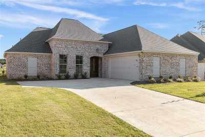Flowood Single Family Home Contingent/Pending: 319 Royal Pond Circle
