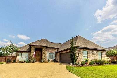 Brandon Single Family Home For Sale: 219 Emerald Cr
