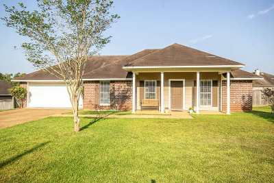 Florence, Richland Single Family Home For Sale: 420 Eaglewood Ln