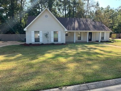 Byram Single Family Home For Sale: 911 Mountain Crest Dr
