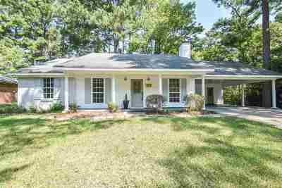 Brandon Single Family Home For Sale: 183 Dogwood Cir