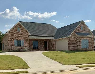 Flowood Single Family Home For Sale: 522 Wales Way