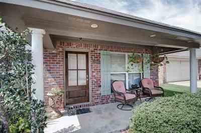 Brandon Single Family Home For Sale: 122 Blackstone Cir