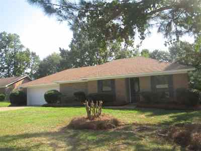 Hinds County Single Family Home For Sale: 6114 Clarence Dr