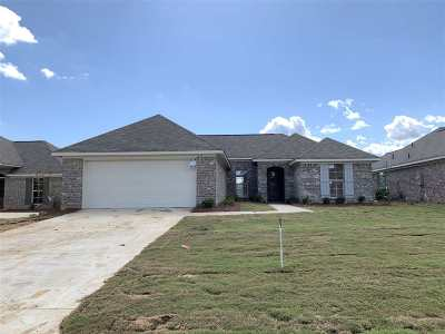 Rankin County Single Family Home For Sale: 1242 Addison Ln