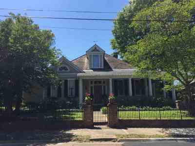Natchez Single Family Home For Sale: 26 Homochitto St.