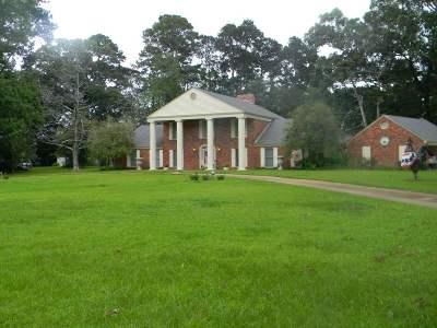 Natchez Single Family Home For Sale: 6 Montebello Dr.
