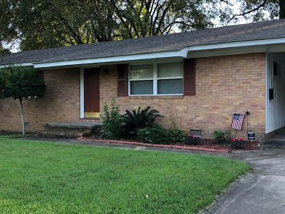 Single Family Home For Sale: 37 Oakhurst