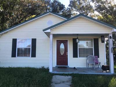 Natchez Single Family Home For Sale: 392 Fry Ave
