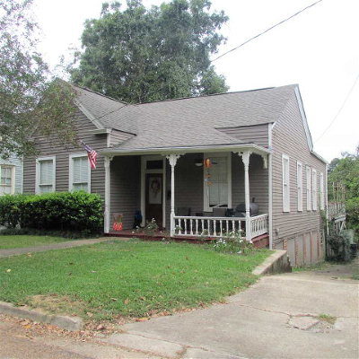 Natchez Single Family Home For Sale: 210 Arlington Avenue