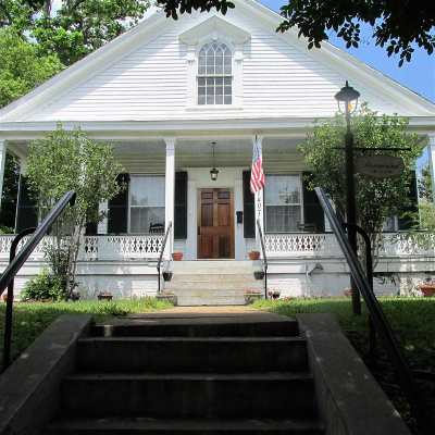 Natchez Single Family Home For Sale: 407 Orleans Street