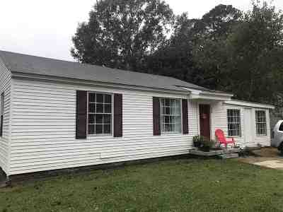 Natchez Single Family Home For Sale: 30 Oakwood Lane