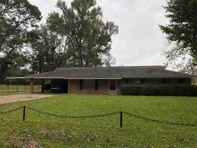 Natchez Single Family Home For Sale: 68 Starnes Drive