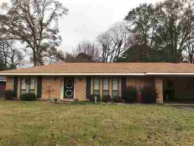 Adams County Single Family Home For Sale: 120 Brookfield Dr.